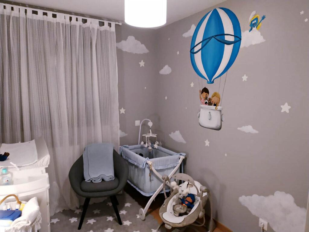 Mural globo aerostático para dormitorio de bebé
