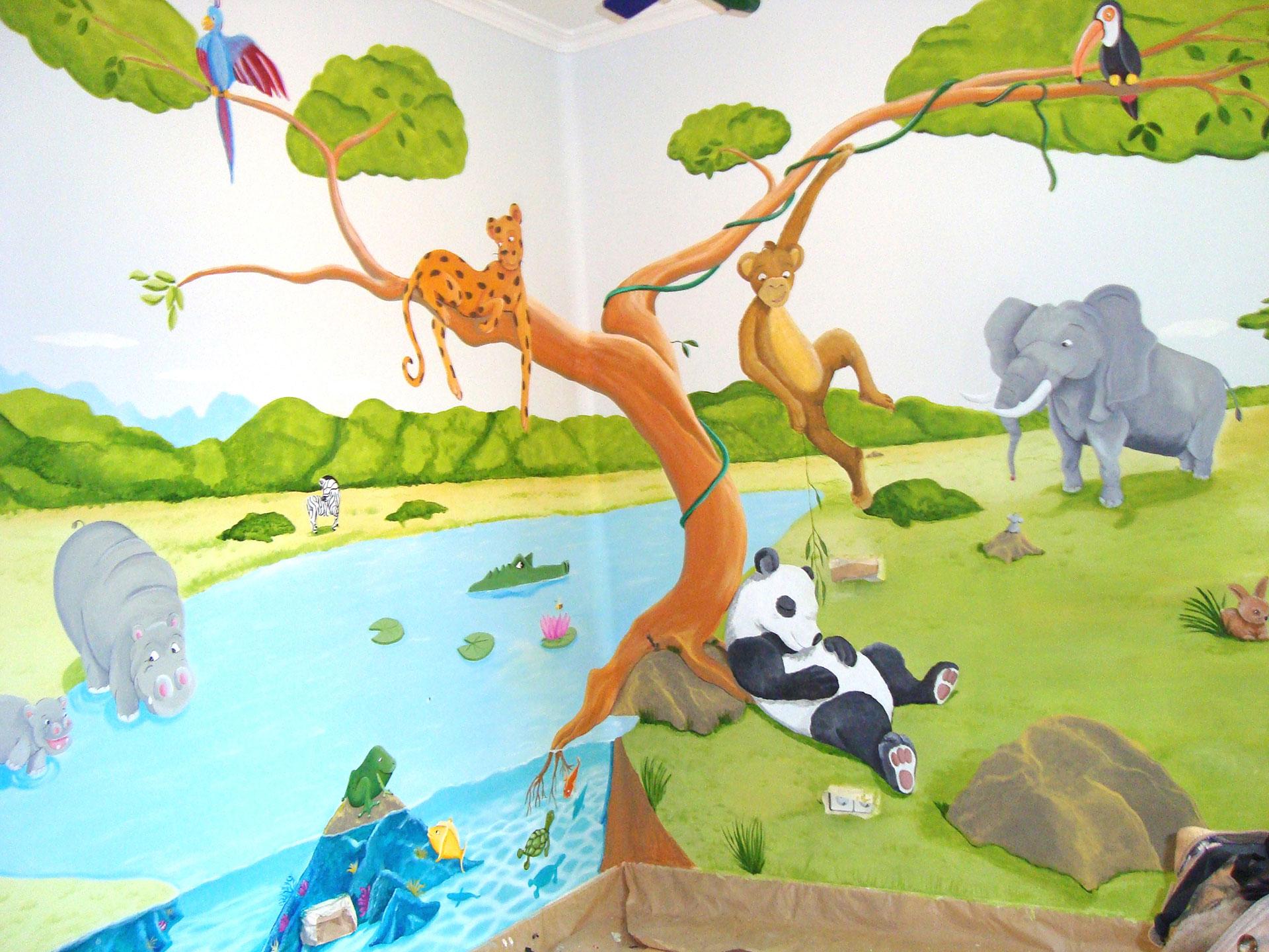 2 mural selva animada con animales 1 1