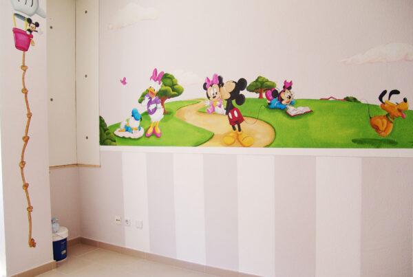4.a mural Disney Mickey Mouse y su familia